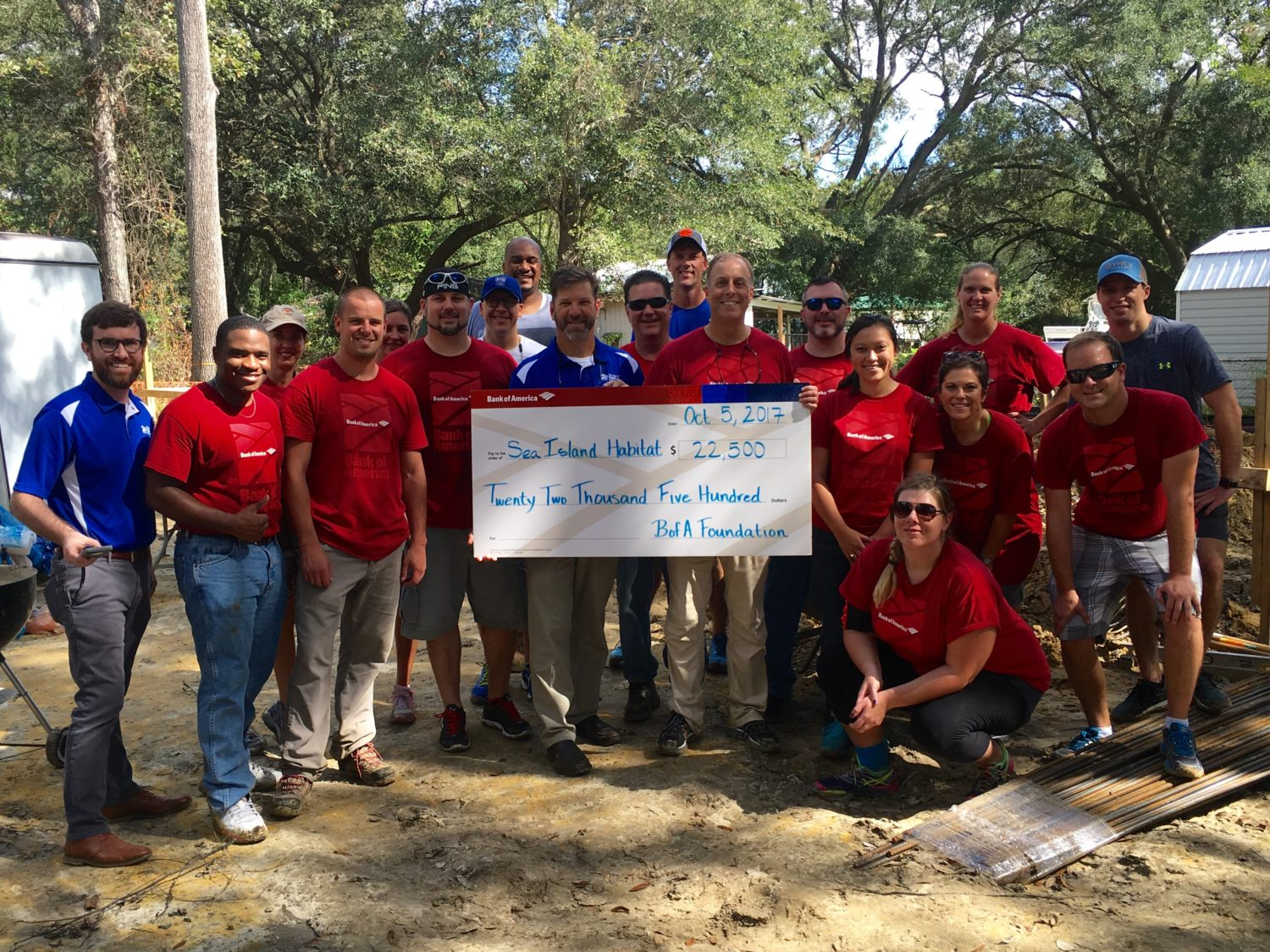 Habitat for Humanity and Bank of American build group